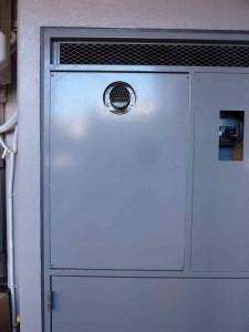 扉内設置型給湯器