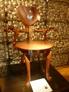 アントニ・ガウディの椅子。