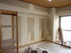 和室の壁を下地処理後。