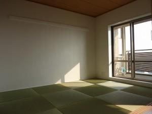品の良い和室空間へ。