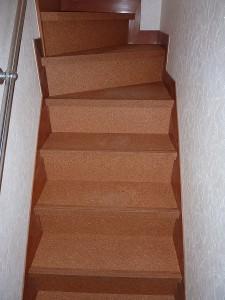 コルク:リニューアル階段部材。。。