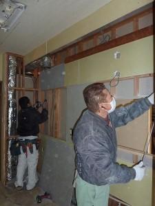 解体後下地工事中。