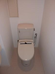 トイレもINAX。