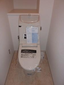 INAX:アメージュV一体型シャワートイレに交換済み。