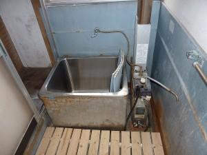 既存のお風呂はこんな感じ。。。