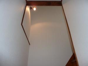 階段の照明は。。。