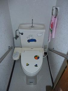 約20年程前の新築時からのトイレ。