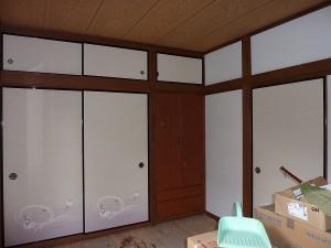 廊下の向こう側の和室6畳間は。