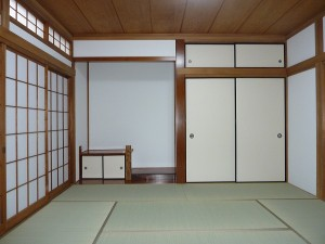 客間である和室8畳は。。。